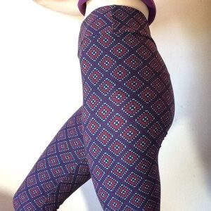 LuLaRoe Pants - Lularoe Soft One Size Skinny Leggings Dark Purple